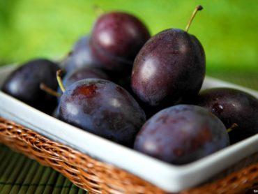 Śliwki w occie winnym- tradycyjne polskie danie
