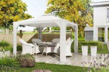 Białe meble z technorattanu w naszych ogrodach