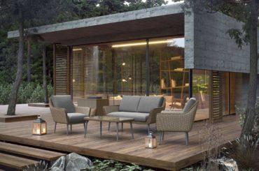 Funkcjonalny stół ogrodowy z krzesłami